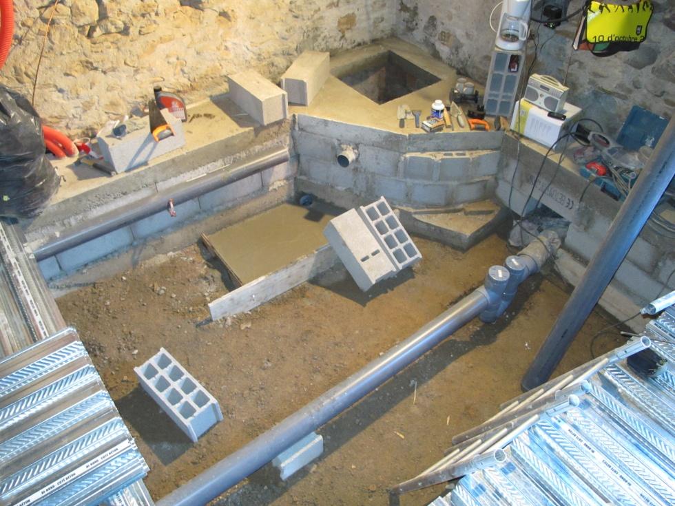 Semaine 5 le plancher collaborant est en place la for Odeurs d egouts dans la maison