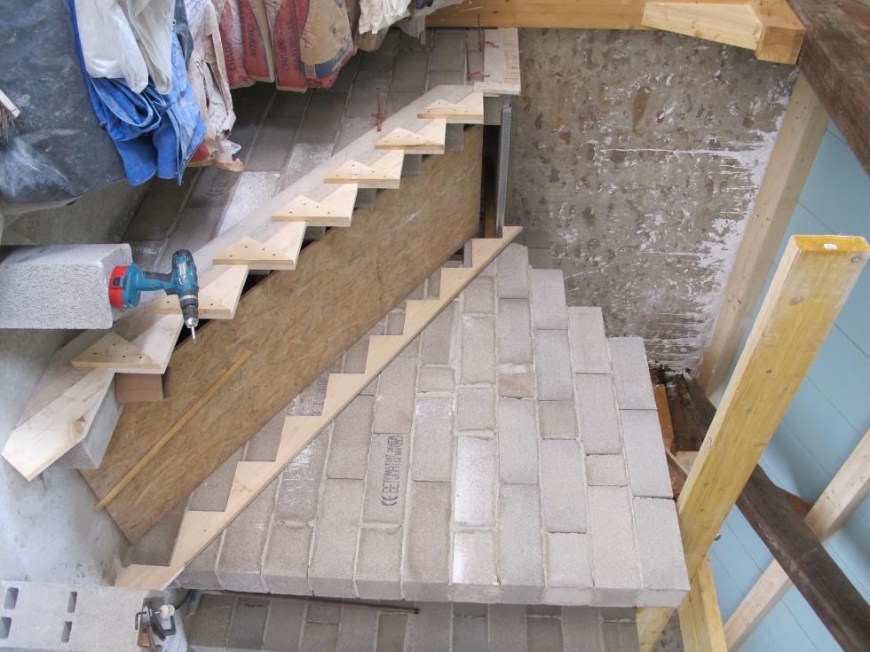 semaine 27 l escalier marche apr s marche la grange. Black Bedroom Furniture Sets. Home Design Ideas