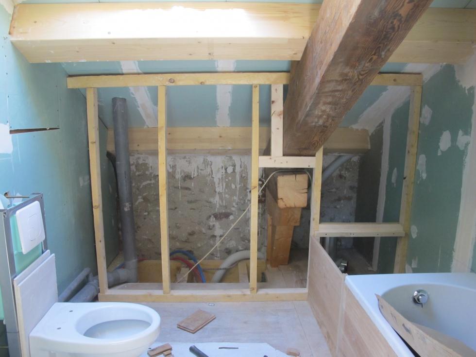 Semaine 40 une salle de bain en bois la grange loft d for Combien de metre carre pour une salle de bain