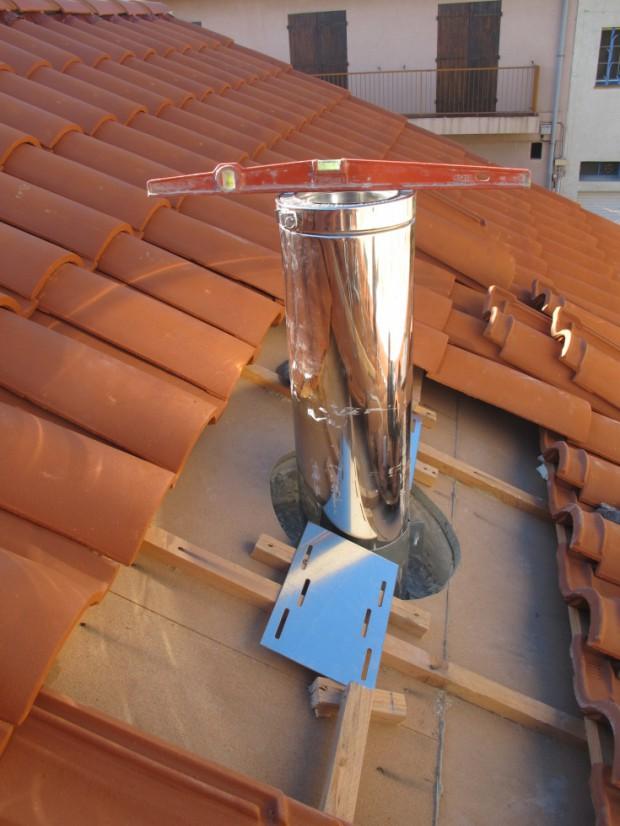 Semaine 47 eau chaude solaire sortie de chemin e for Construire un conduit de cheminee exterieur