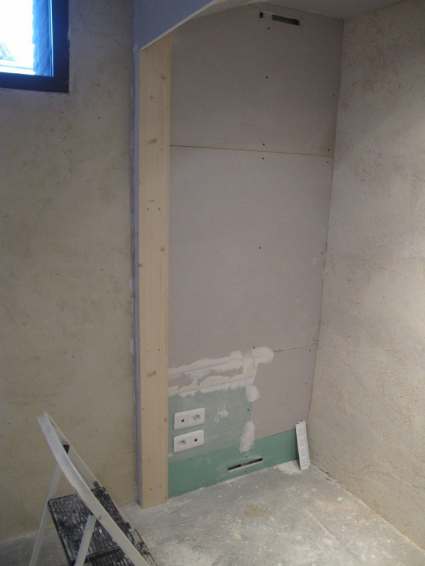 planche pour placard meuble with planche pour placard planche dcouper en bambou avec plateau. Black Bedroom Furniture Sets. Home Design Ideas