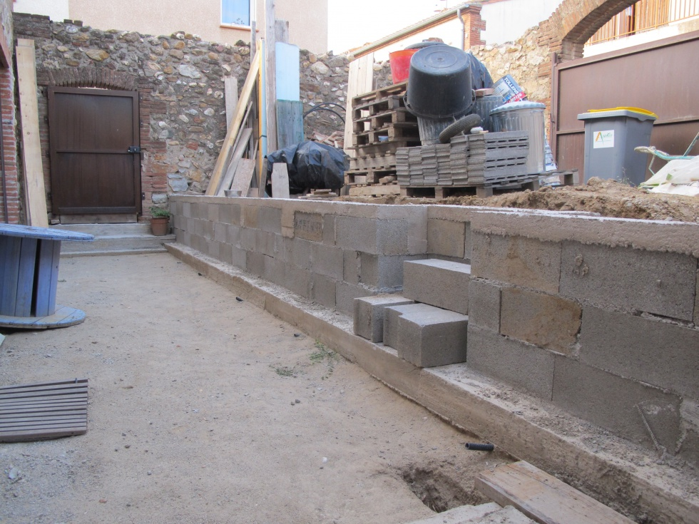 Week ends 30 31 32 the wall la grange loft d 39 athayuyu for Habiller un mur en parpaing